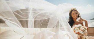 фата «до колена» может дополнить свадебное платье длиной не ниже щиколотки