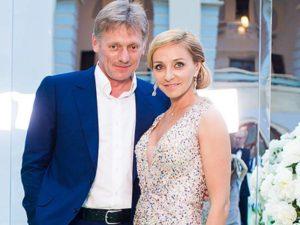 На второй день свадьбы Татьяна выбрала не менее красивое платье белого цвета