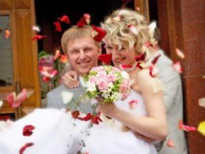 Современные невесты обычай обильно обсыпать зерном не приветствуют